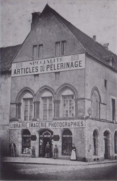 Photos maison canoniale ancienne poste crgpg for Maison de l emploi chartres